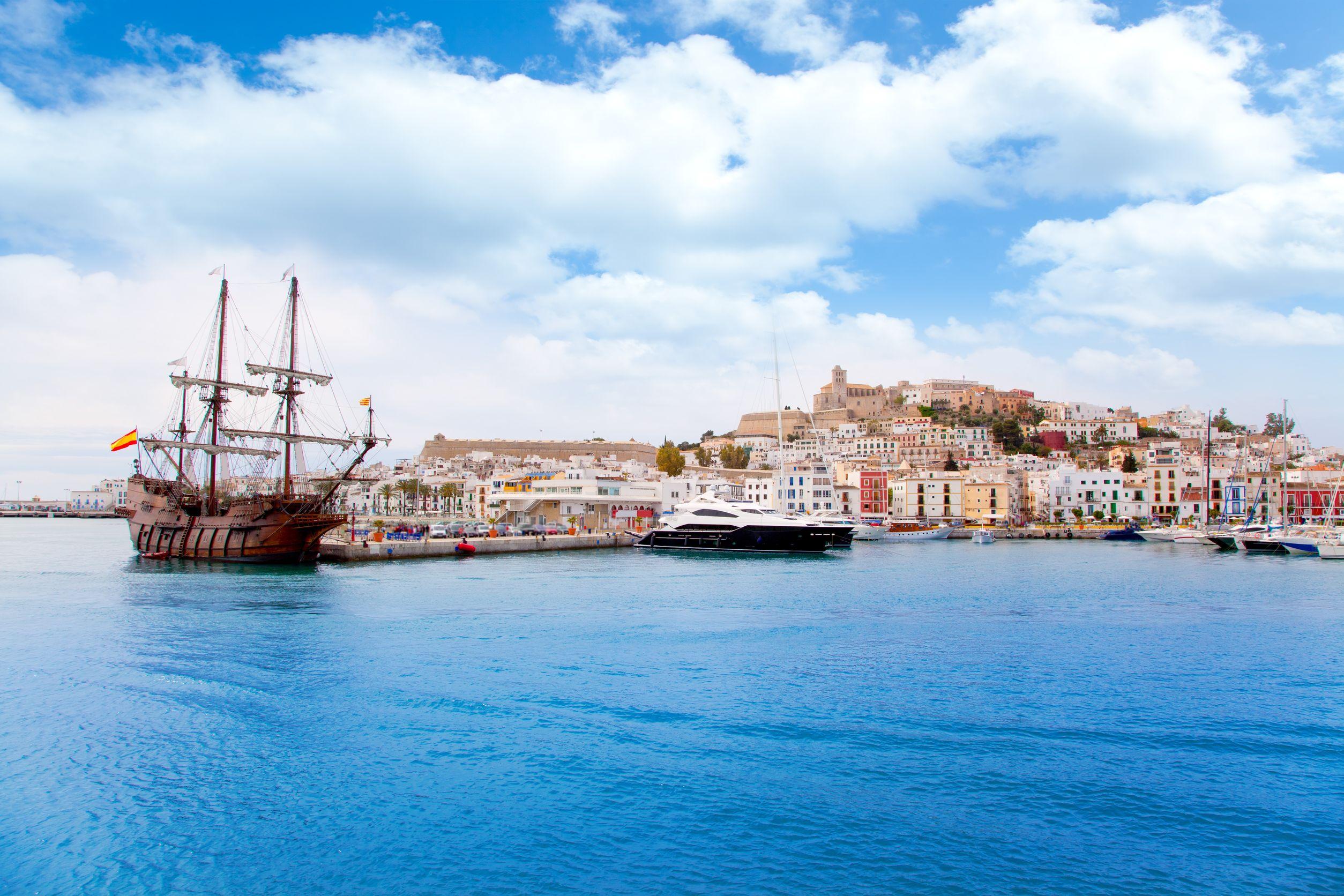 جزيرة ابيزا إسبانيا