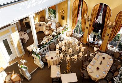 http://www.restaurant-lasserre.com/fr