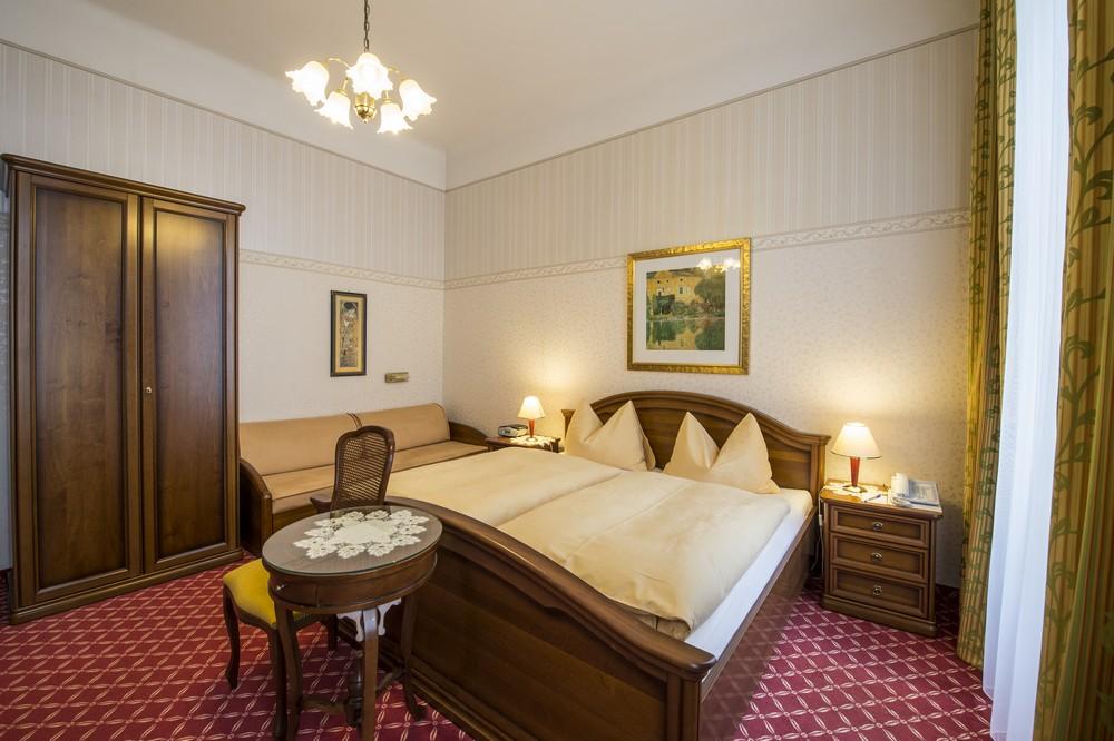 http://www.hotelaustria-wien.at/en/hotel-austria/