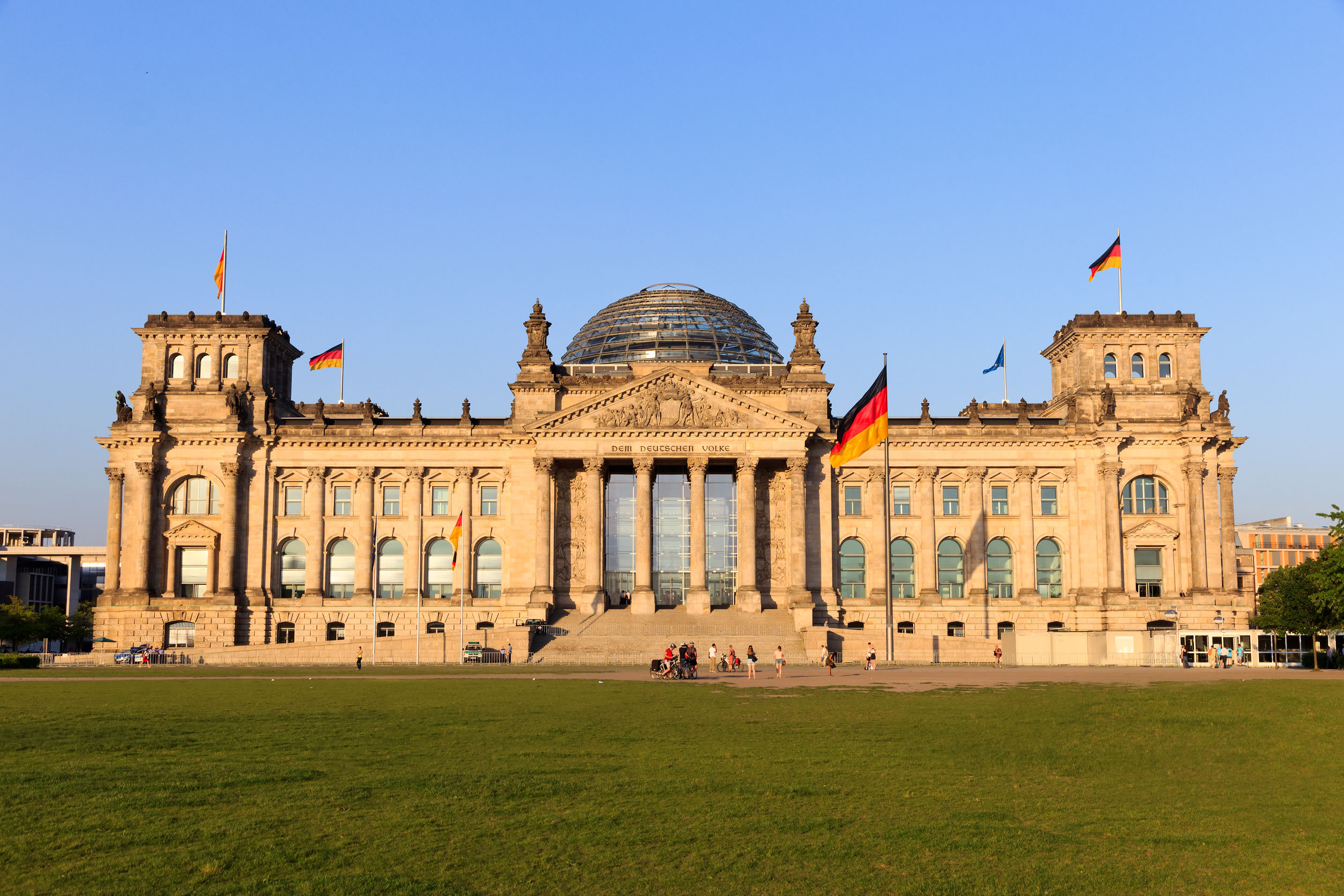 الرايخستاغ برلين