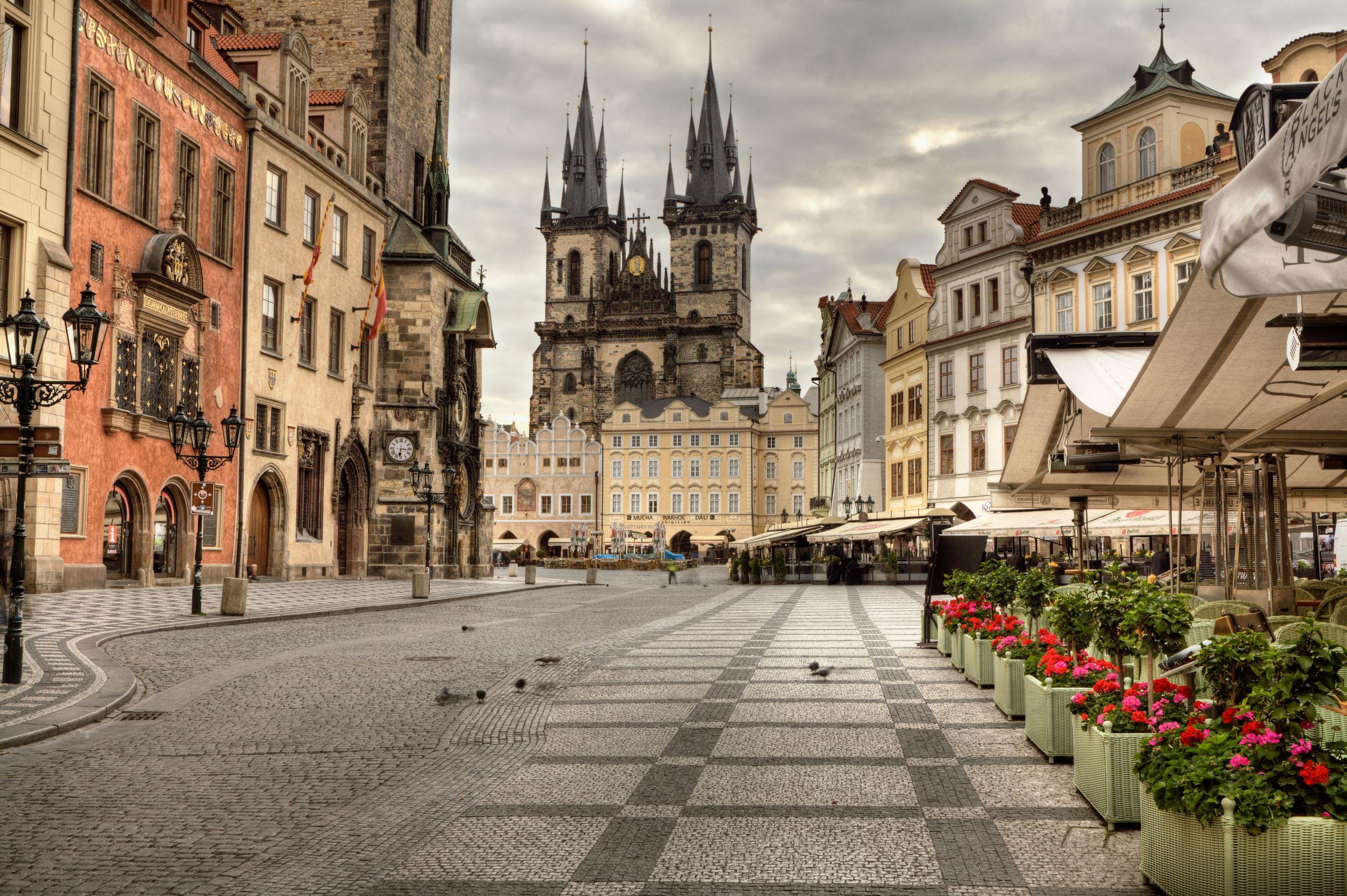 ساحة البلدة القديمة براغ