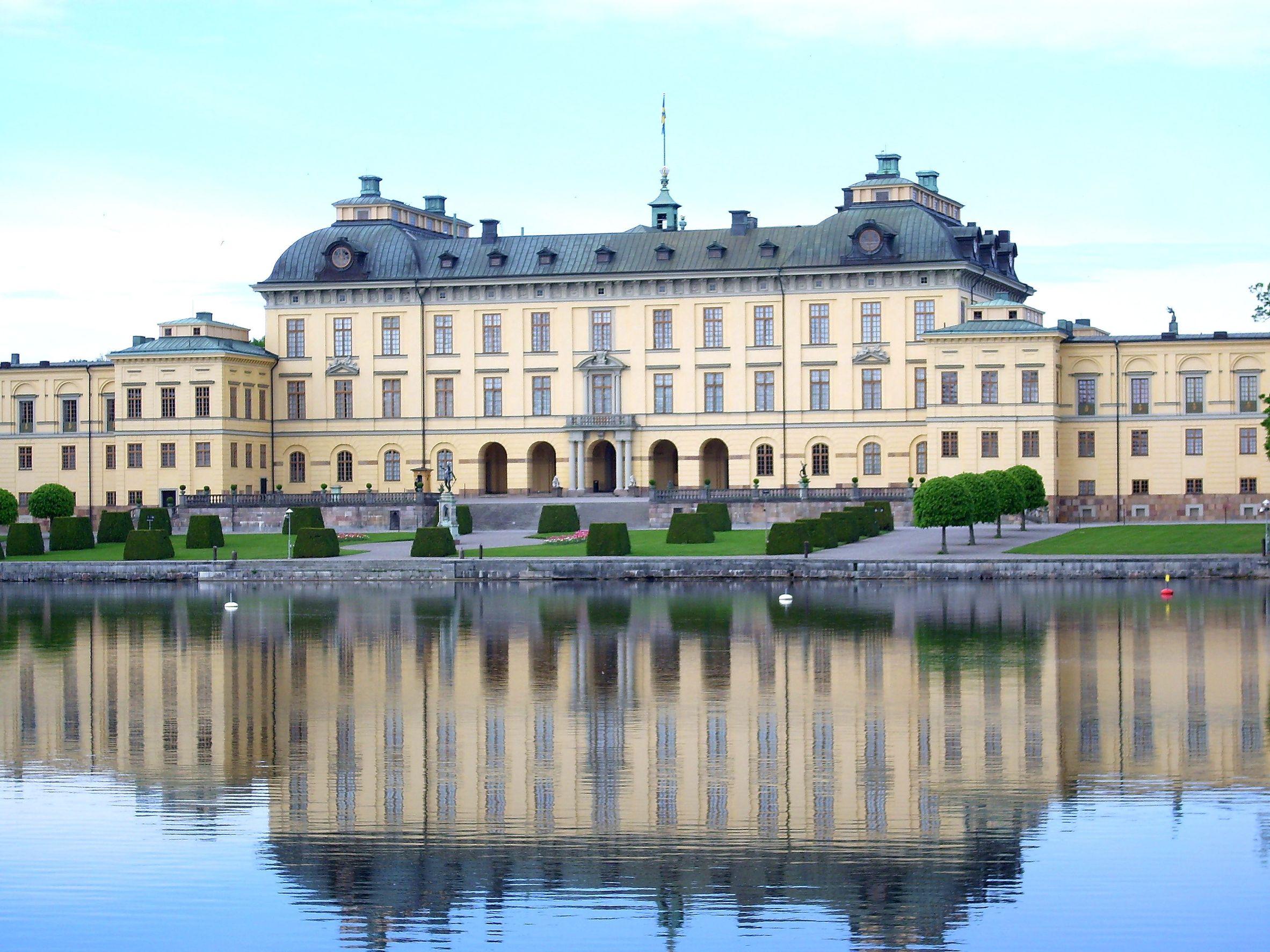 قصر دروتنينغولم  ستوكهولم