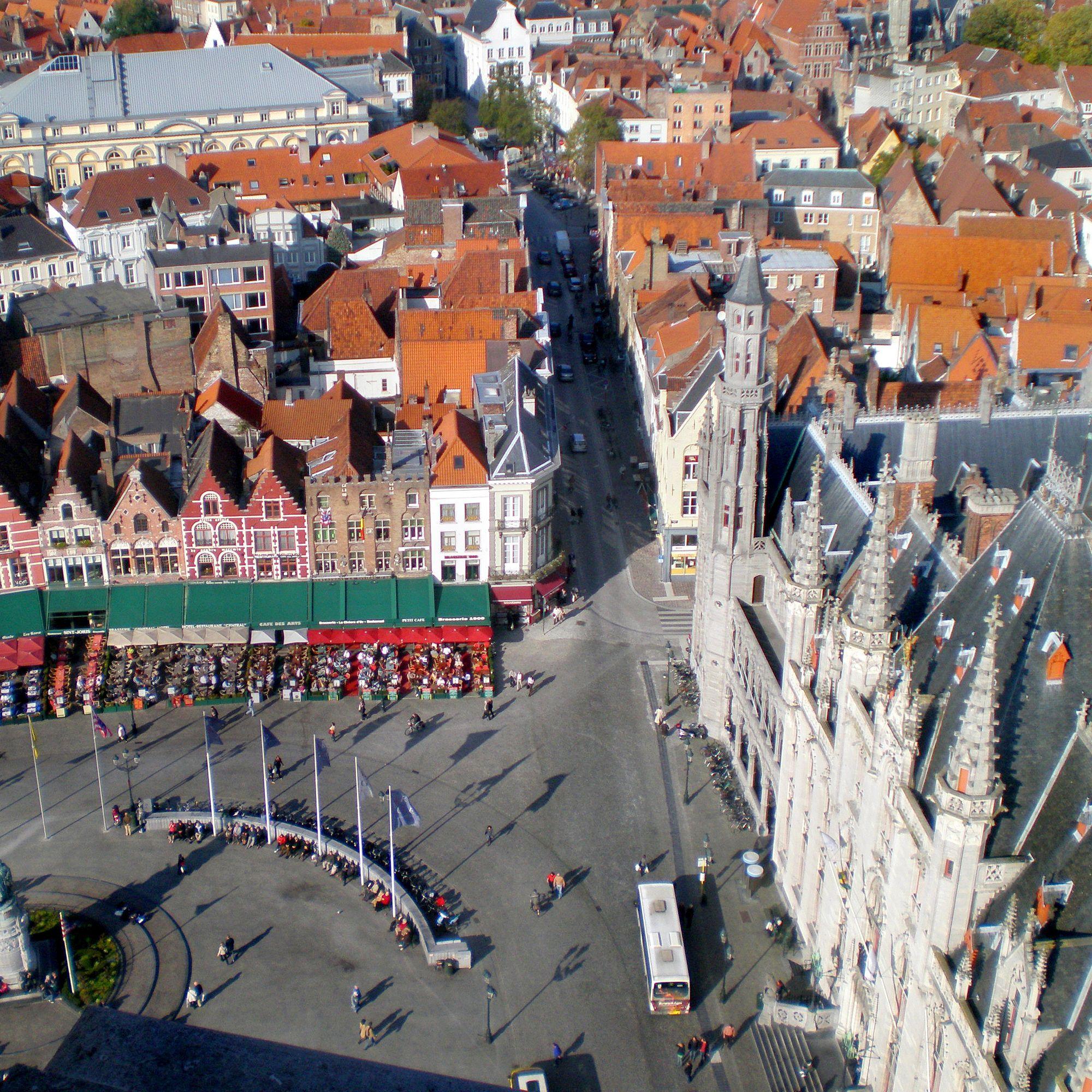 ساحة السوق بروج بلجيكا