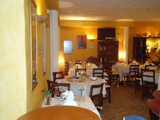 http://www.tripadvisor.com/Restaurant_Review-g189117-d1720097-Reviews-Trattoria_Vecchia_Milano-Lagos_Faro_District_Algarve.html